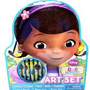 Disney Doc Mcstuffins Art Set Kids Brand new